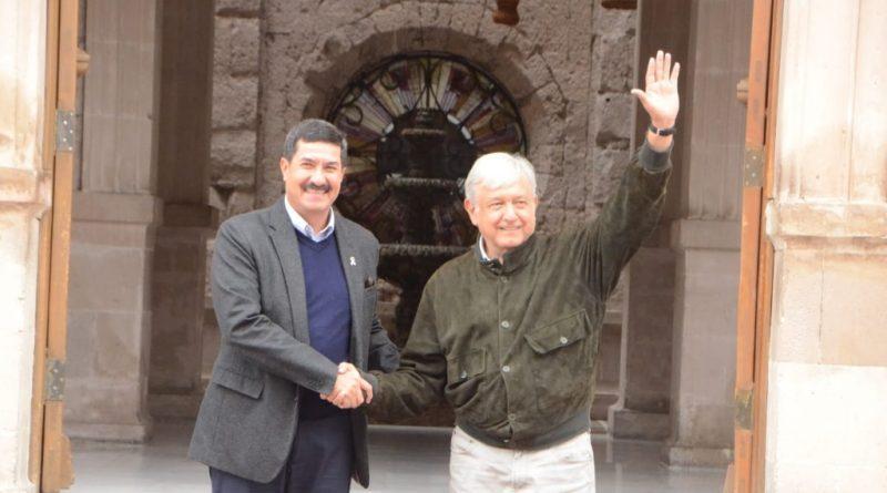 Se reúnen Corral y AMLO en palacio de gobierno