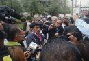 Familiares de desparecidos y profes jubilados denuncian irregularidades ante AMLO