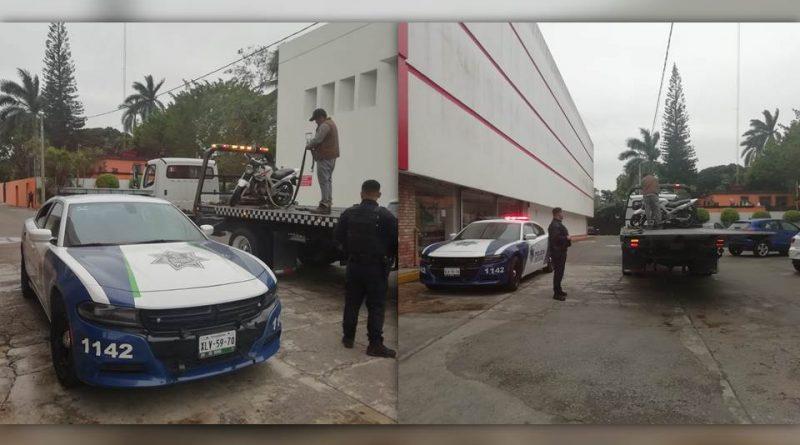 Arrolla a delincuentes con su vehículo para interrumpir asalto