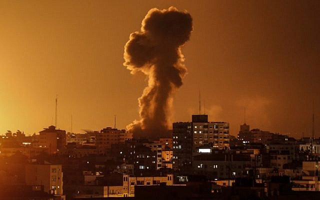 Israel ataca objetivos en Gaza tras el disparo de cohetes desde este territorio